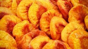 dried-peaches